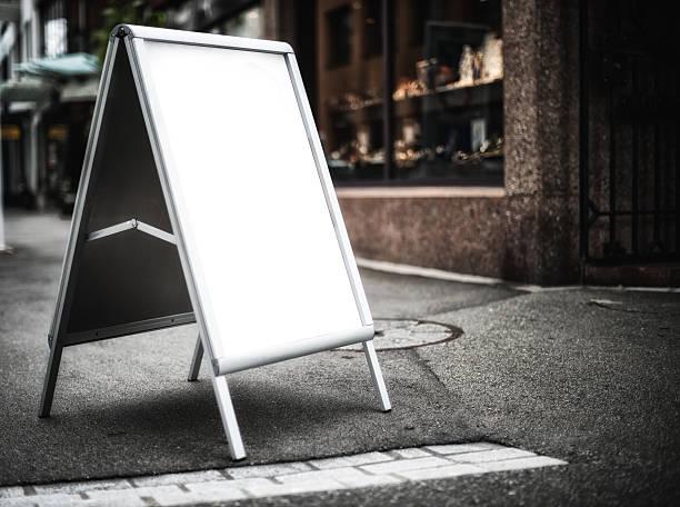blank message Ladenschild vor der shop – Foto