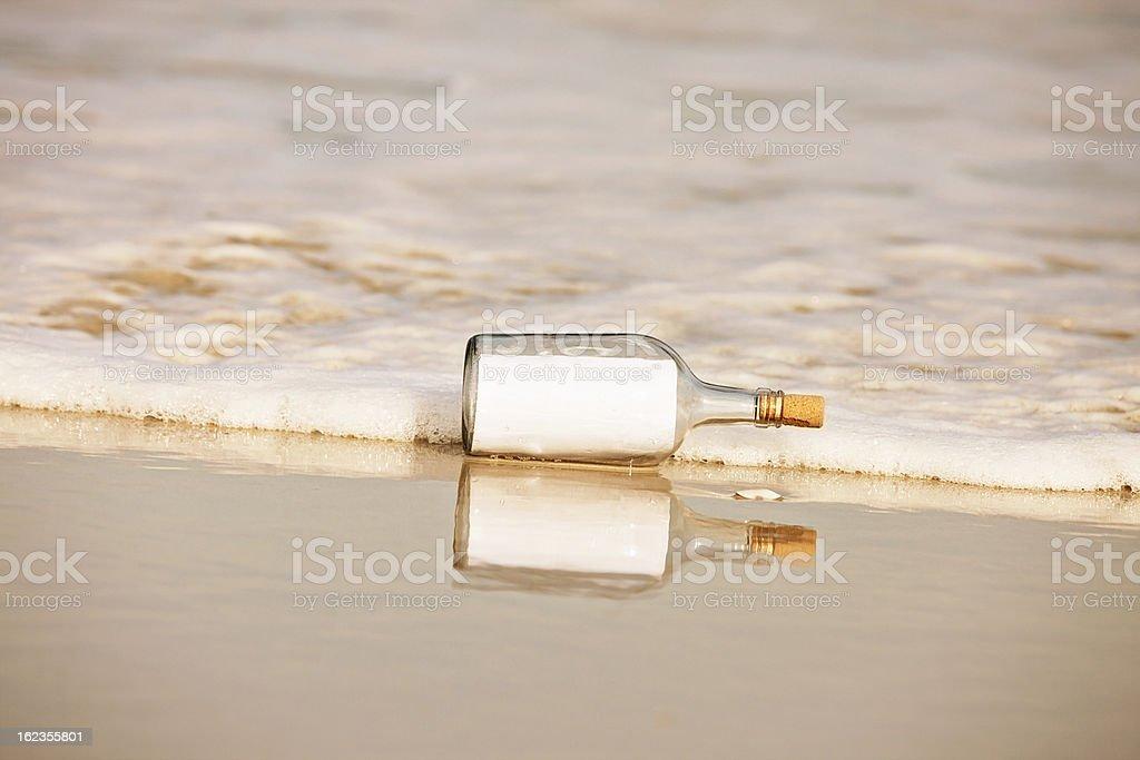 Remarque au délavé blanc-bouteille;: Vous ajouter un message - Photo