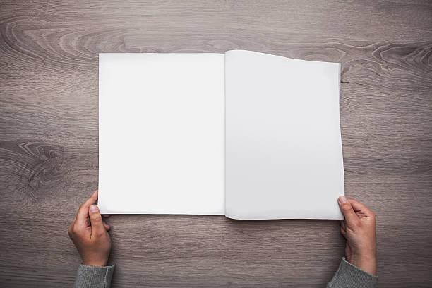 leere öffnen magazin - zeitschrift aufgeschlagen stock-fotos und bilder