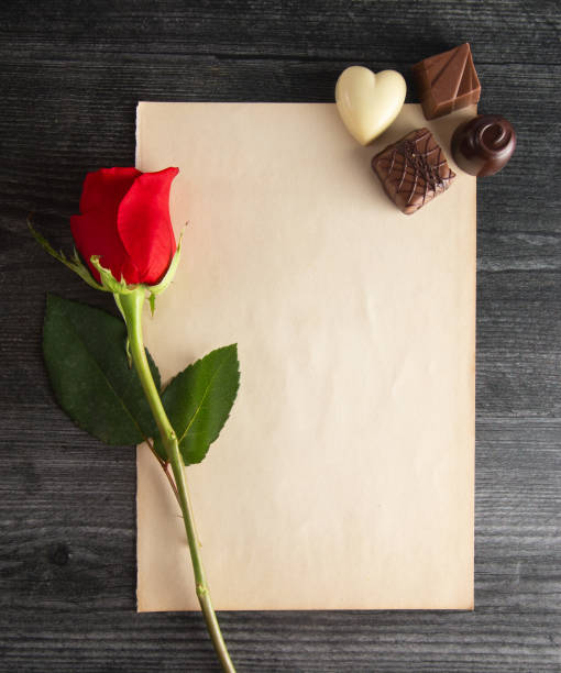 Blank page for a love letter with chocolates and roses picture id1092009616?b=1&k=6&m=1092009616&s=612x612&w=0&h=ywneicydtg7mgywotxdfvwwal7zpxyfm2dybg0e a2y=