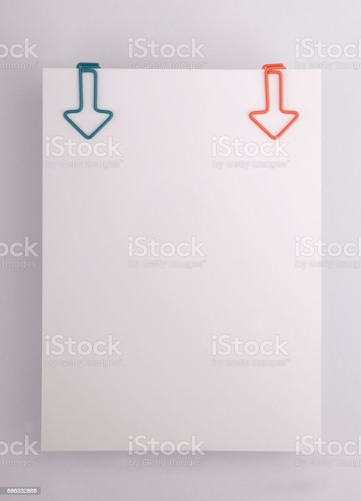Leeres Papierschuldbrief Mit Farbe Heftklammern Stockfoto
