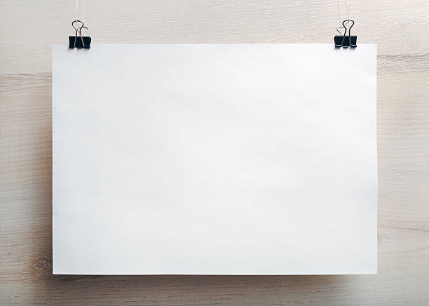 Cartel de papel en blanco - foto de stock