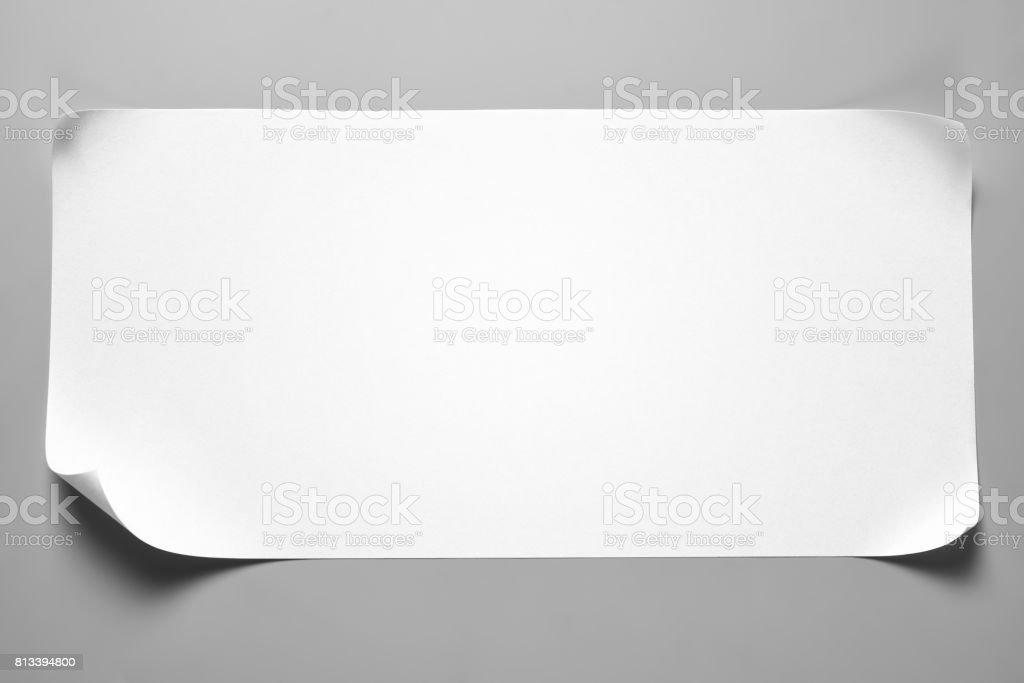 Rebuts de papier blanc avec coins recourbés - Photo