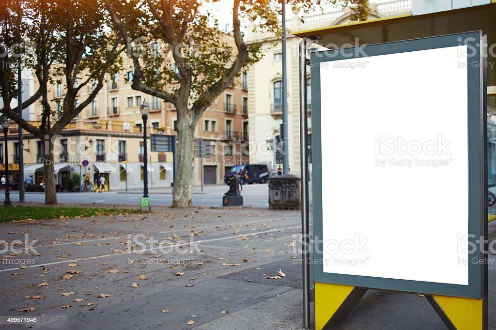 Affiche vide dans un cadre urbain - Photo