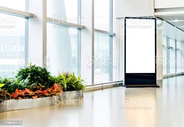 Blank poster kiosk in airport corridor picture id1179515115?b=1&k=6&m=1179515115&s=612x612&h=eklp430mdzepqunpdplxsuuylgesk5zsbwzpvnpcrlm=