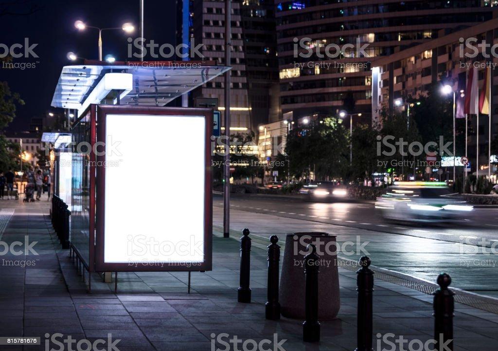 Affiche vide sur l'arrêt de bus - Photo