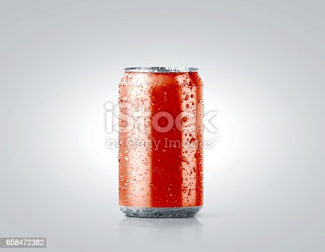 istock Blank red cold aluminium soda can mockup with drops 658472382