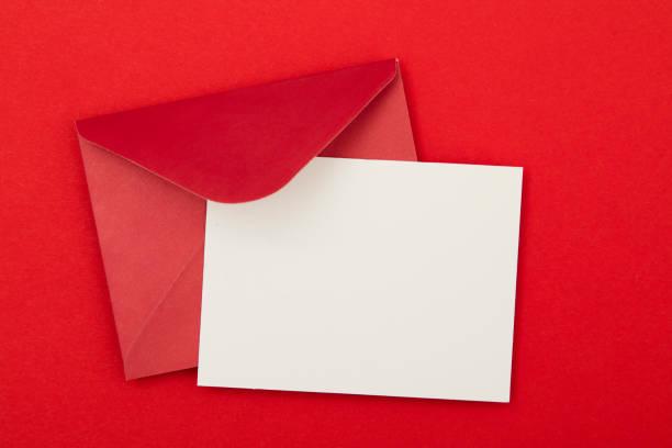 blank red invitation - приглашение стоковые фото и изображения