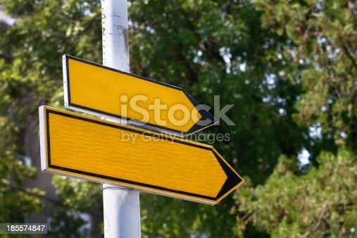istock blank Road sign 185574847