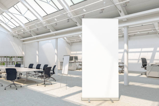 Leere Roll-up Banner steht – Foto