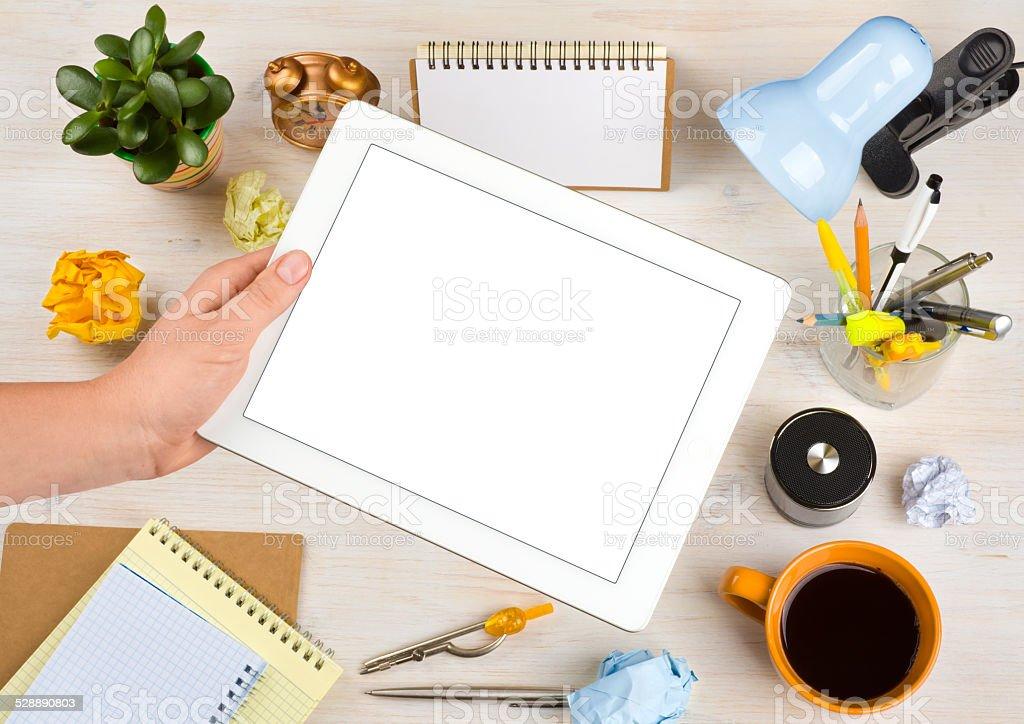 Schermo Vuoto Tablet Computer In Ufficio Scrivania Sfondo