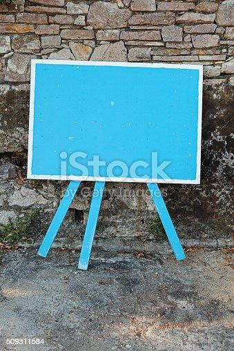 839409724 istock photo Blank signboard 509311584