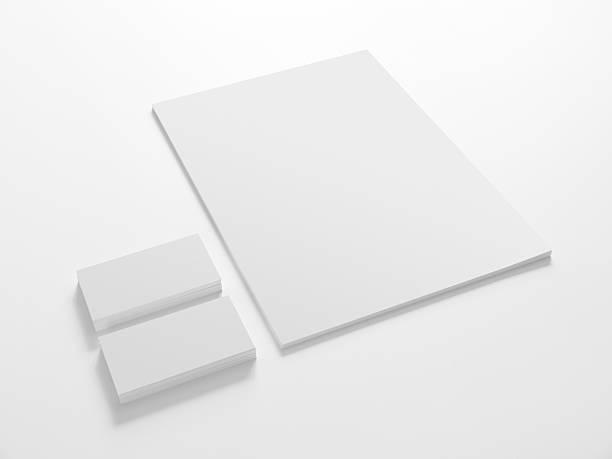 modèle de papier blanc avec des cartes. - business card mock up photos et images de collection
