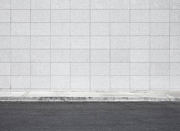 ブランク壁の xxxl - 歩道 ストックフォトと画像
