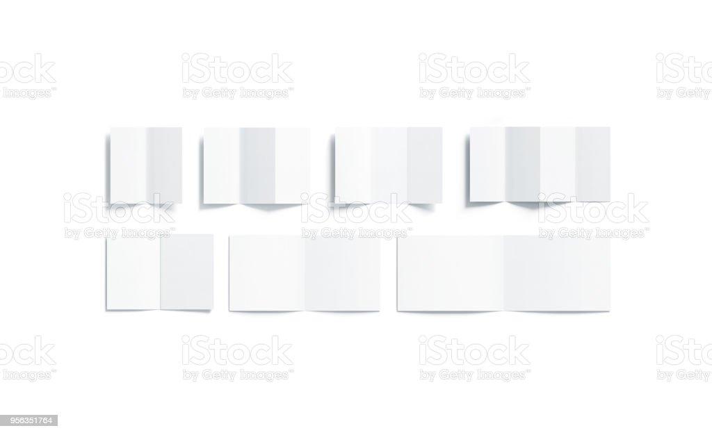 Leere weiße Broschüren Mock-up Arten gesetzt, Ansicht von oben geöffnet – Foto