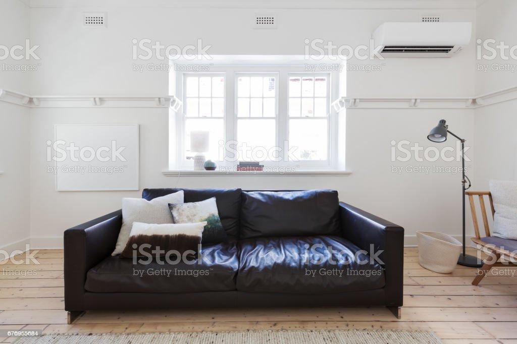Fotografía de Arte Enmarcado Blanco En Blanco En La Sala Interior ...