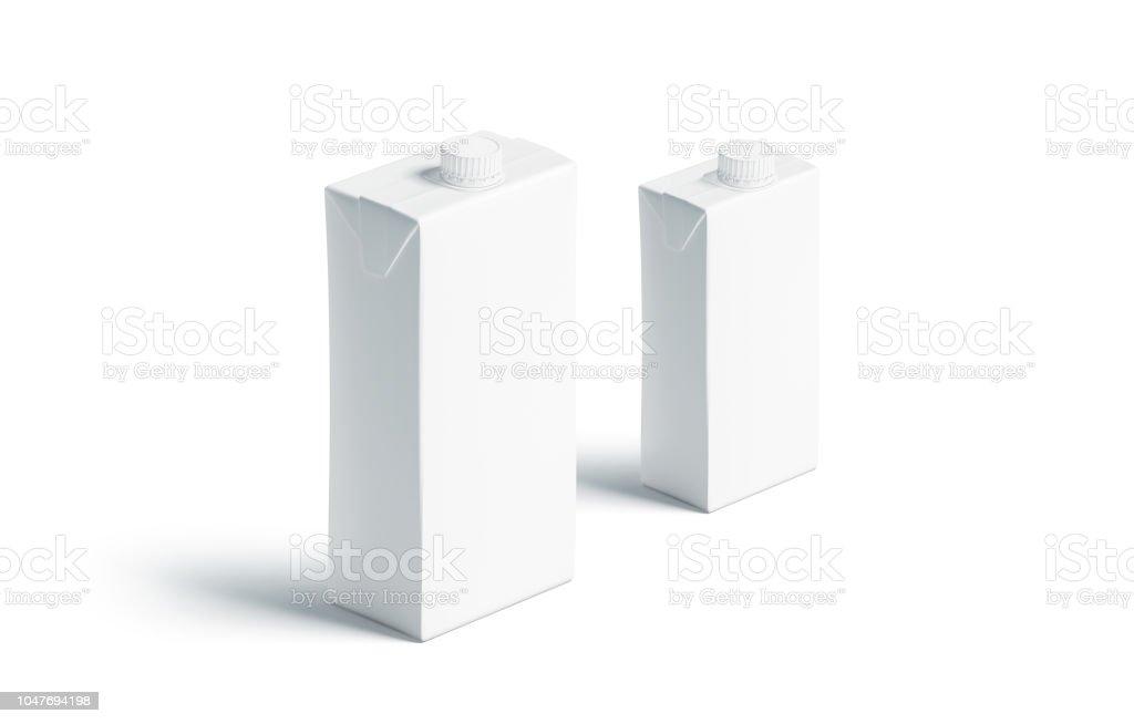 Bloco do suco branco em branco com a maquete de tampa, conjunto de pequeno e grande - foto de acervo
