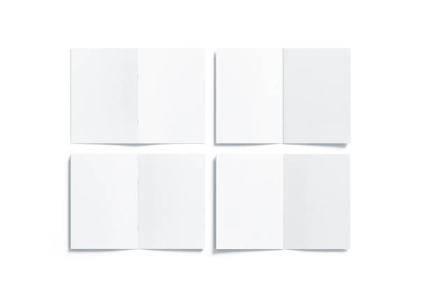 leere weiße mehrseitige a5 broschüre mock-up, vorderseite rückseite - faltpapier stock-fotos und bilder