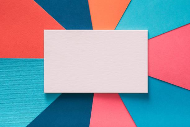 message texte de papier blanc de blanc fond coloré - Photo