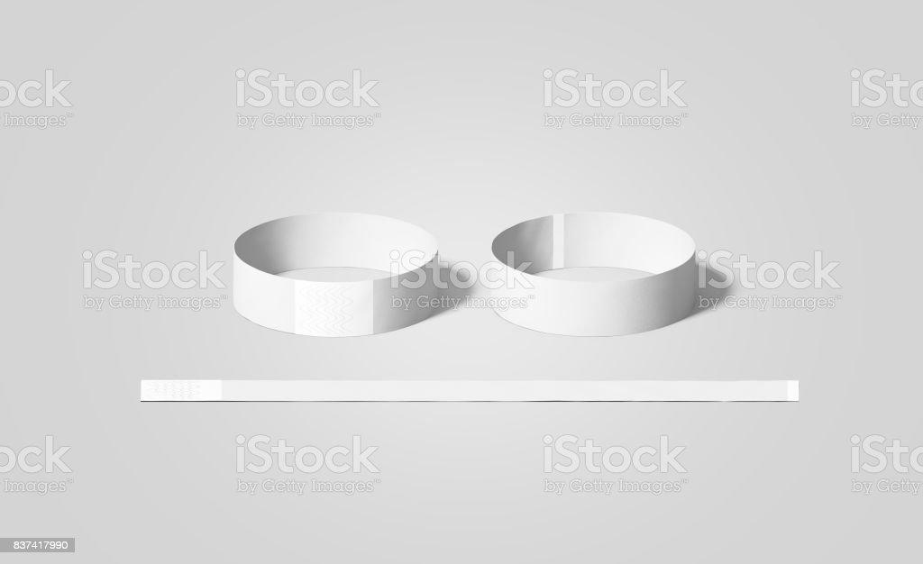En blanco papel blanco pulseras maquetas, frente y parte posterior - foto de stock