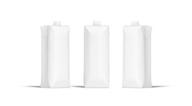 Paquet de jus blanc prisma blanc avec couvercle maquette ensemble - Photo