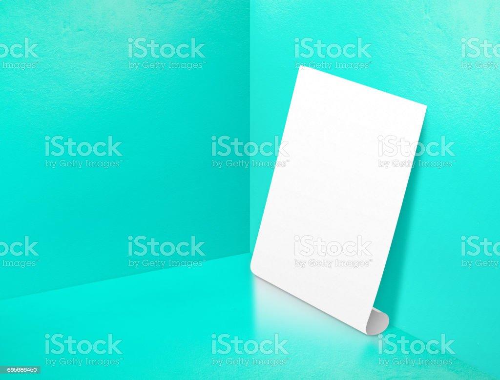 Fotografía de Cartel Laminado Blanco En Blanco En Esquina Pintado ...