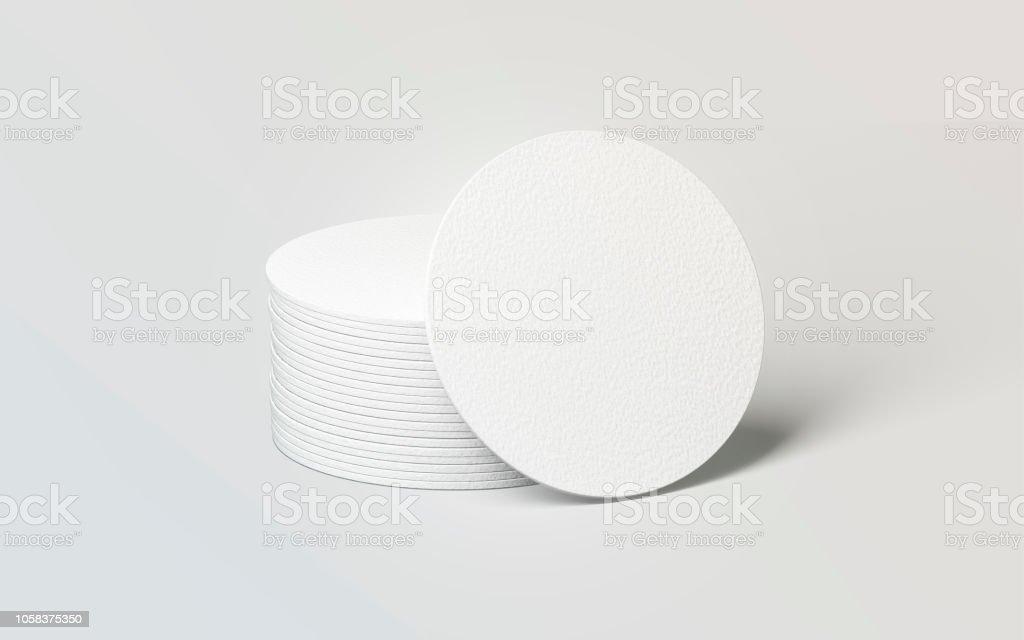 Posavasos redondo blanco en blanco de la cerveza pila de maqueta - foto de stock