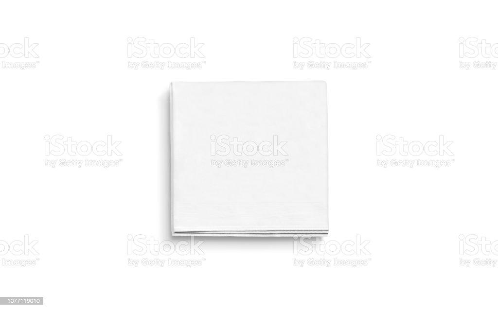 Leere weiße quadratische gefaltete Serviette mock-up, isoliert – Foto