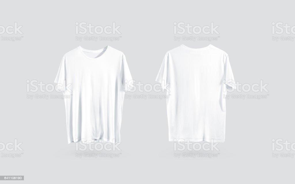 Parte delantera de camiseta blanca en blanco y parte trasera vista, maqueta de diseño - foto de stock