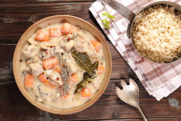 blanquette de veau, veau cuit à la crème et carotte - Photo