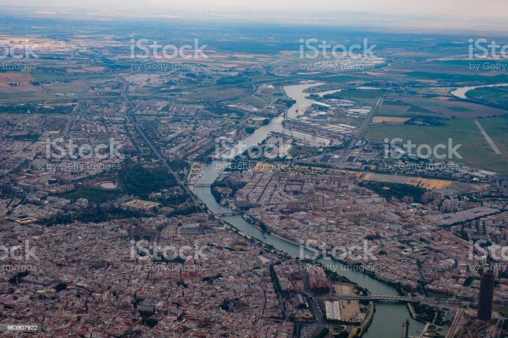 Blick aus dem Flugzeug auf Sevilla, Spanien (Andalusien) - Royalty-free Aerial View Stock Photo