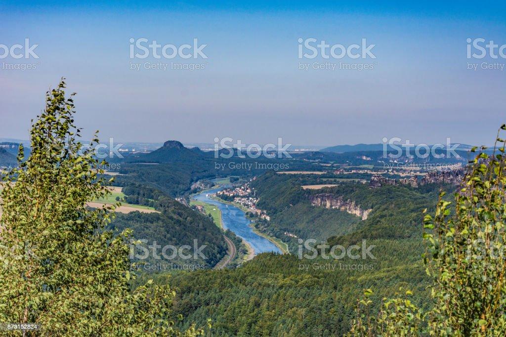 Blick von der Kipphornaussicht ins Tal der Elbe mit Bad Schandau stock photo