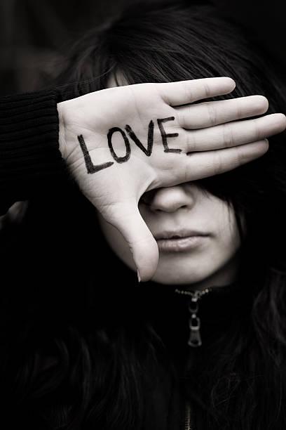 Frases De Amor Emo Banco De Fotos E Imágenes De Stock Istock