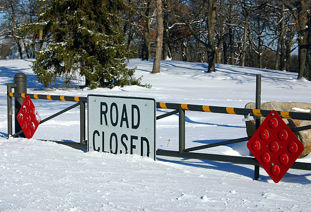 blizzard shutdown - deviate stock pictures, royalty-free photos & images