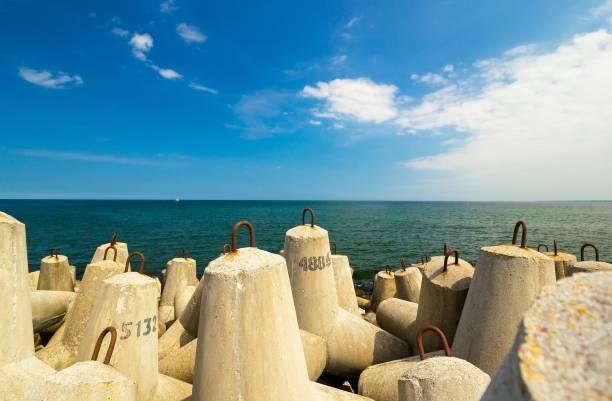 block break water at baltic sea – zdjęcie