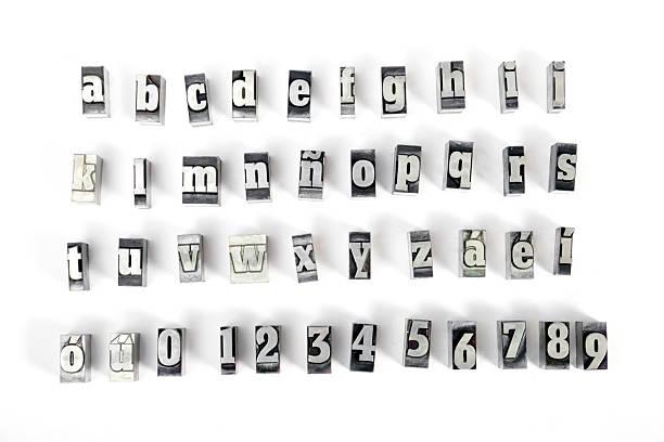 lettres majuscules - plomb en métal photos et images de collection