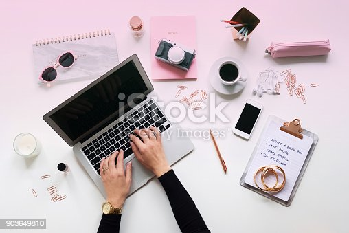 istock Blogger table directly above 903649810