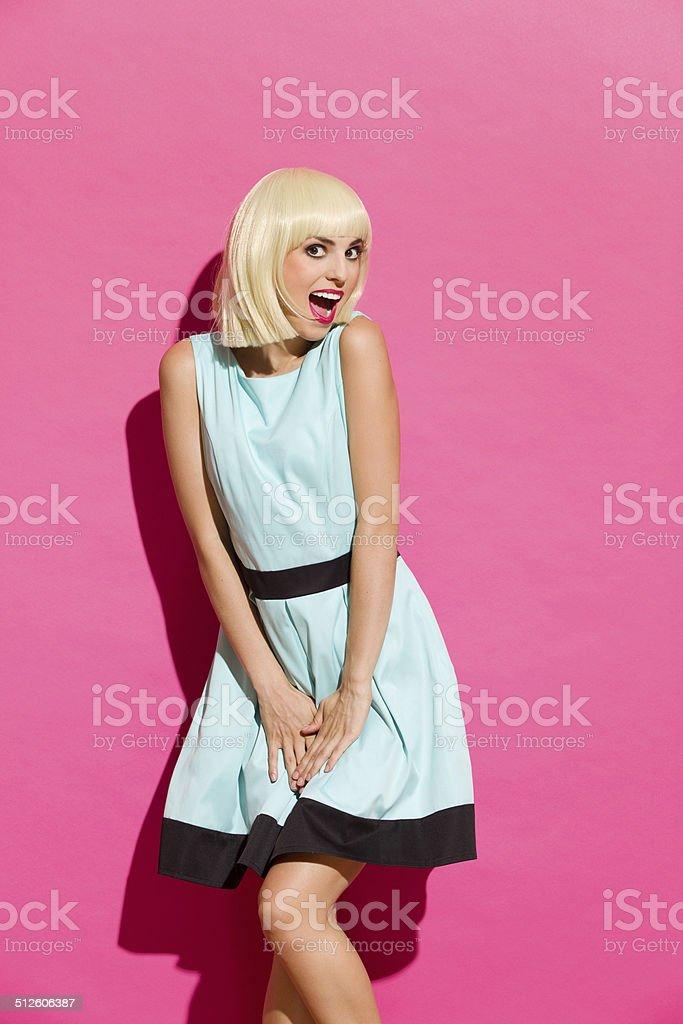 Chica rubia posando como Marilyn - foto de stock