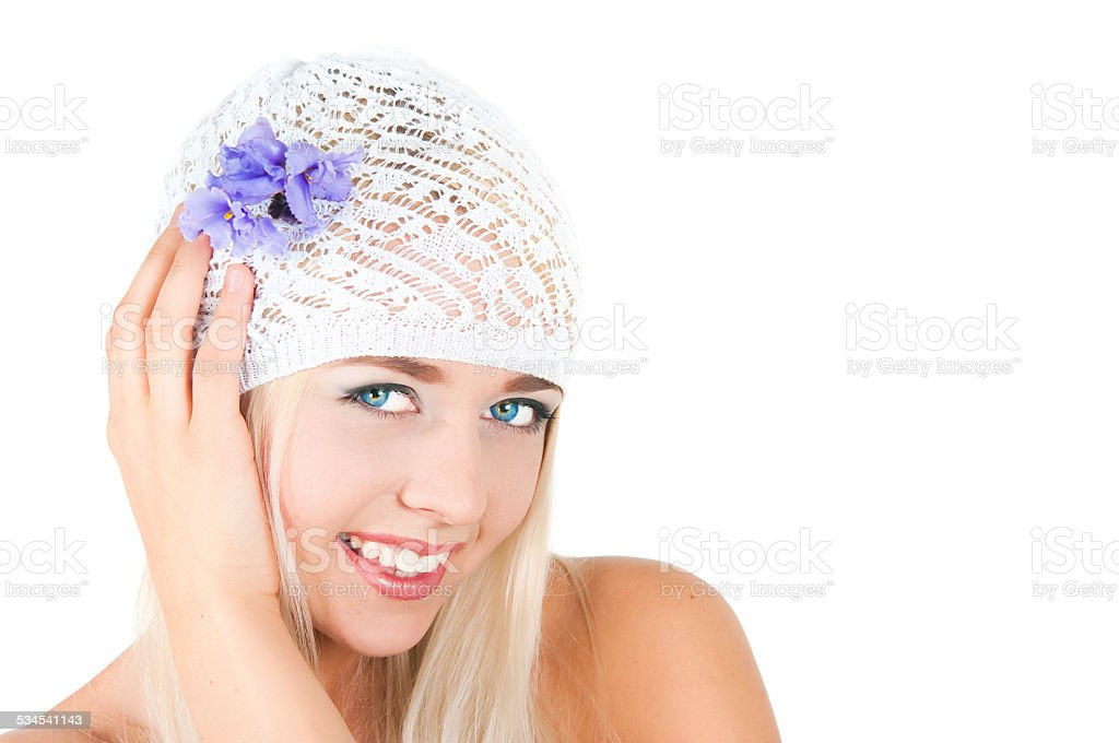 blond girl with a bouquet of violets - Royalty-free 18-19 Years Stock Photo