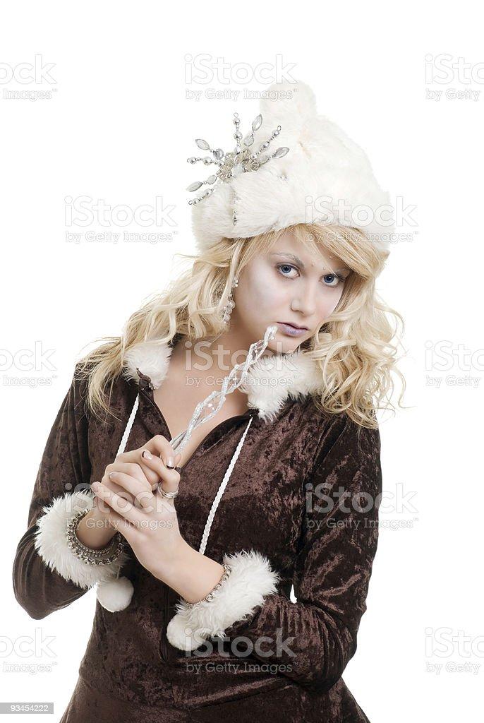 Blondes-Frau tragen Pelz Hut mit Schneeflockenmotiv Lizenzfreies stock-foto