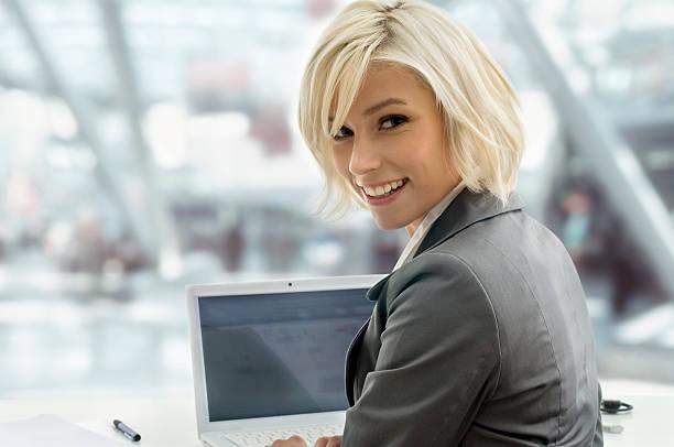 Blond Business – Foto