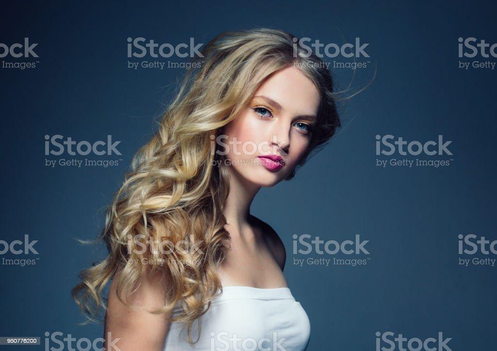 Coiffeur cheveux boucles 77