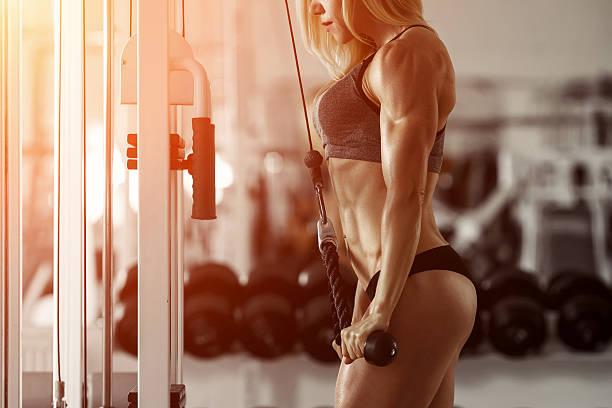 blond fitness mädchen - eisenmangel was tun stock-fotos und bilder