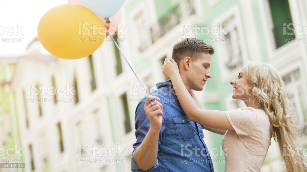 Wie man ein Mädchen zu halten Ihre Dating