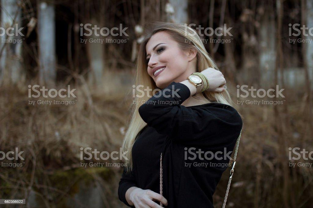 Blonde girl outside front of the sun zbiór zdjęć royalty-free