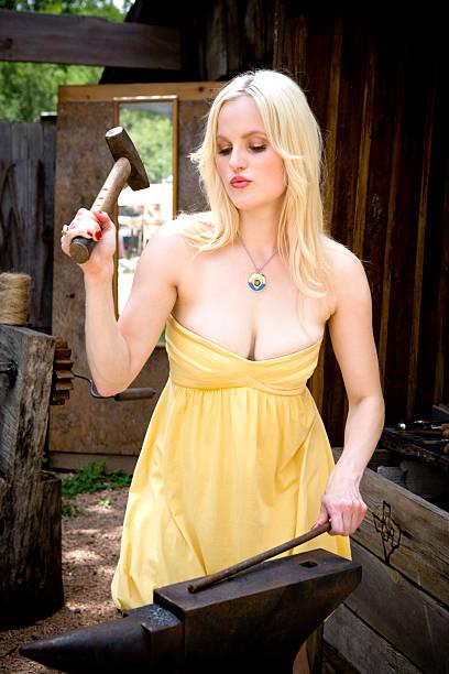 blonde hammer - hovslagare bildbanksfoton och bilder