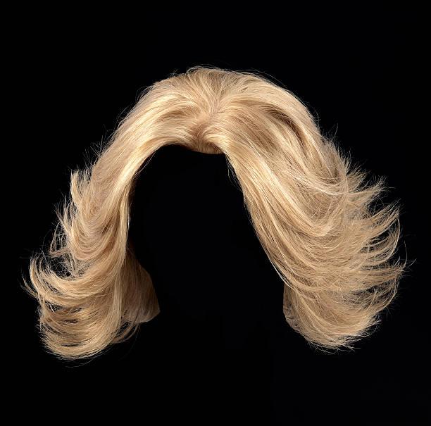 blonde perücke - glatze schneiden stock-fotos und bilder