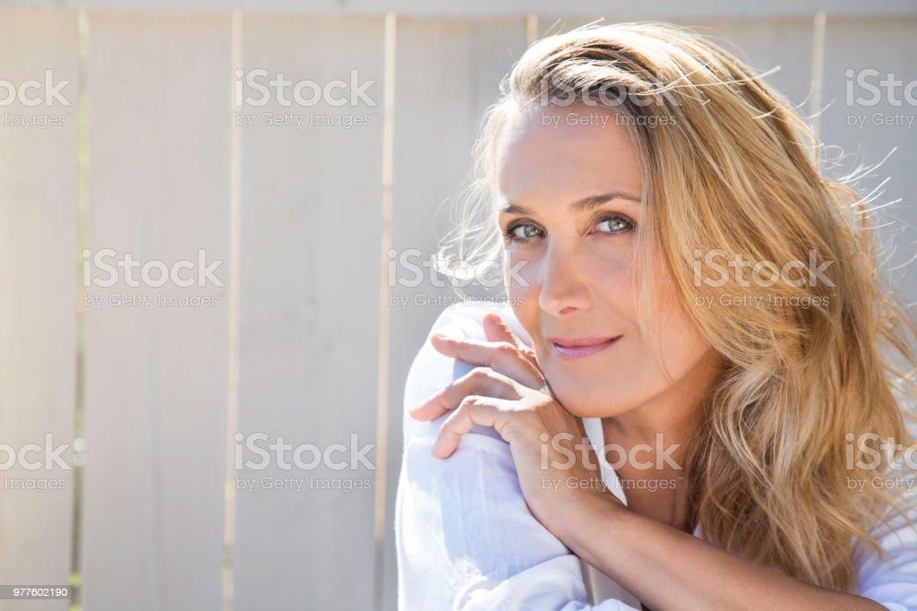 Blonde Frau Von 40 Jahren Stockfoto und mehr Bilder von 40
