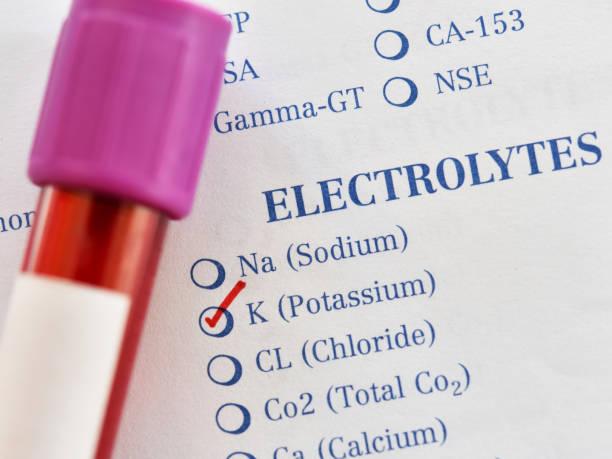 bloedmonster voor kalium test - kalium stockfoto's en -beelden