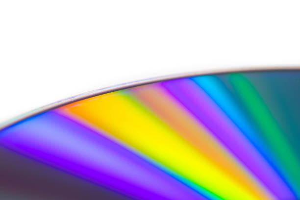 disque blu-ray détail gros plan avec dégradé coloré - blu ray disc photos et images de collection